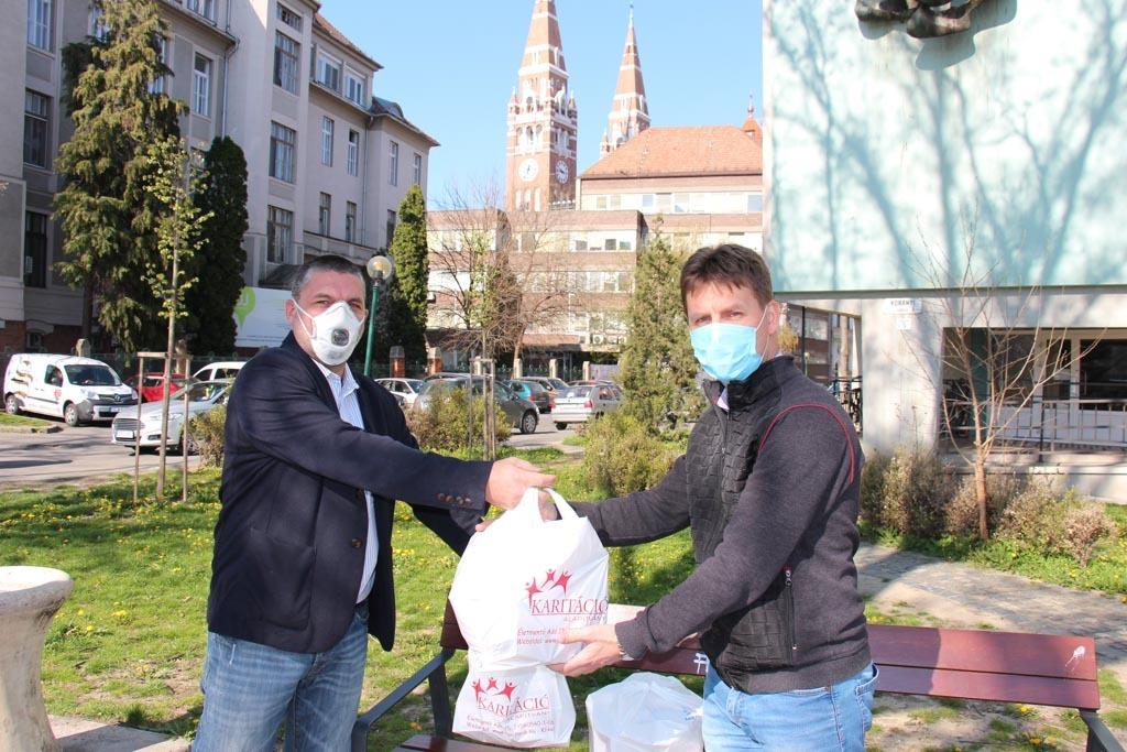 1.000.000 forint önerőből adományozott egészségügyi szájmaszkokat a Karitáció Alapítvány!