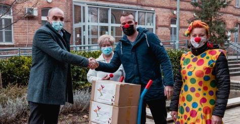 Bohócdoktoraink hosszú idő után ismét átléphették a kórház kapuját
