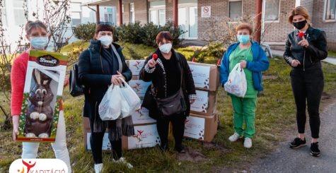 Boldogságbomba a covid osztály dolgozóinak – 450 Forint értékű adományt adtunk át
